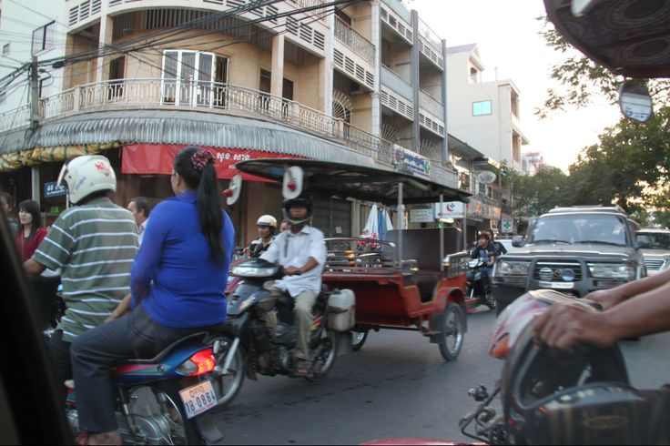The hustle and bustle, phnom penh