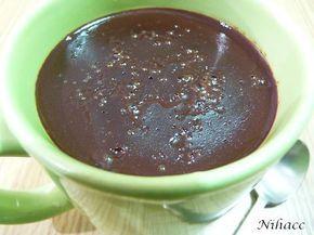 En una tarde fría y lluviosa no hay nada mejor que una taza de chocolate caliente… y más si es casero, sano, ecológico y recién hecho (aunque reposado de un día para otro también queda muy bu…