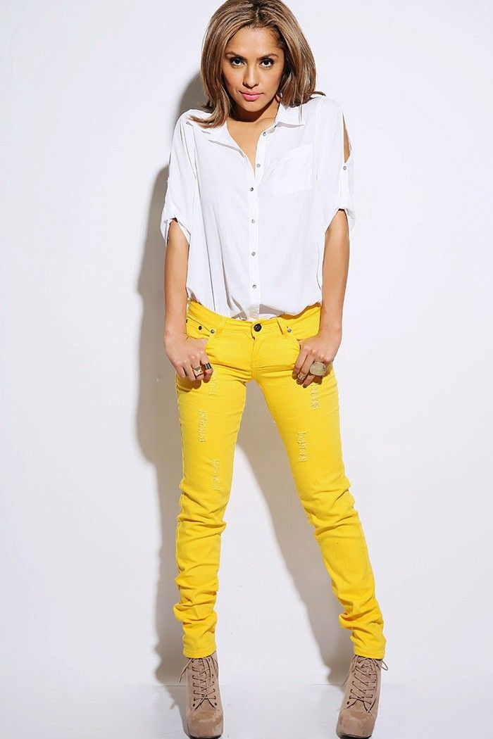 outstanding denim and yellow outfit 8