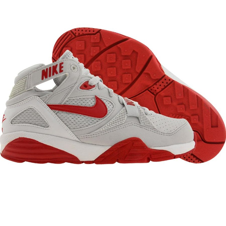 I want these Bo Jackson shoes very much!