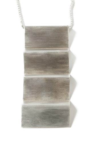 Vitsø Zigzaghalskæde - Grafisk halskæde i sølv - Tinga Tango Designbutik.