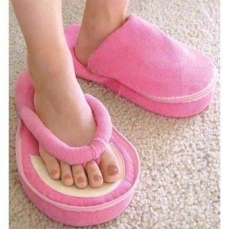 Acum pedichiura va putea fi realizata intr-un adevarat confort cu ajutorul papucilor de #pedichiura prevazuti cu spuma cu memorie pentru un extra confort.