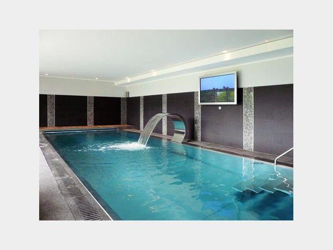 Ein Schwimmbad Im Eigenheim Warum Nicht Mit Fernseher Und Sauna Nebenan Wird Eine Wahre Wohlfühloase Daraus Gefunden Bauhaus Tessin Auf Haus