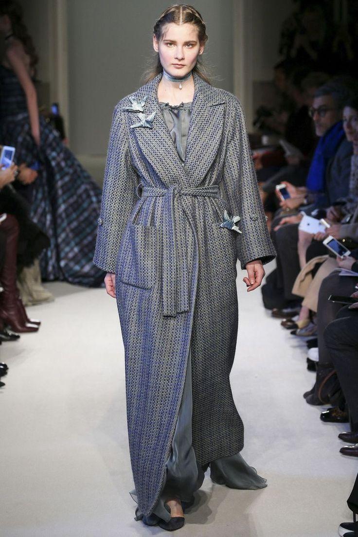 Элегантность, женственность и нотка волшебства в нарядах Luisa Beccaria…