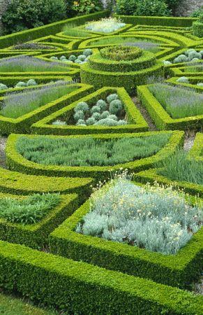 25 Best Ideas About Formal Gardens On Pinterest Formal Garden Design Small City Garden And