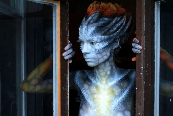Ordinary Girls Transform Into Beautiful, Other-Worldly Aliens With Body Paint - DesignTAXI.com