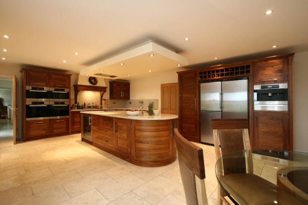 This stunning bespoke kitchen is both modern and usable. For more handmade kitchen designs have a look at our website www.simpsonsfurniture.co.uk.
