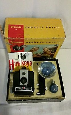 Kodak Brownie Hawkeye Flash Camera Outfit 177 E With Box w/ 2ea Sylvania Bulbs