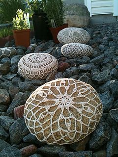 Basalt Snowflake pattern for rock conversion. Free crochet pattern from Ravelry.