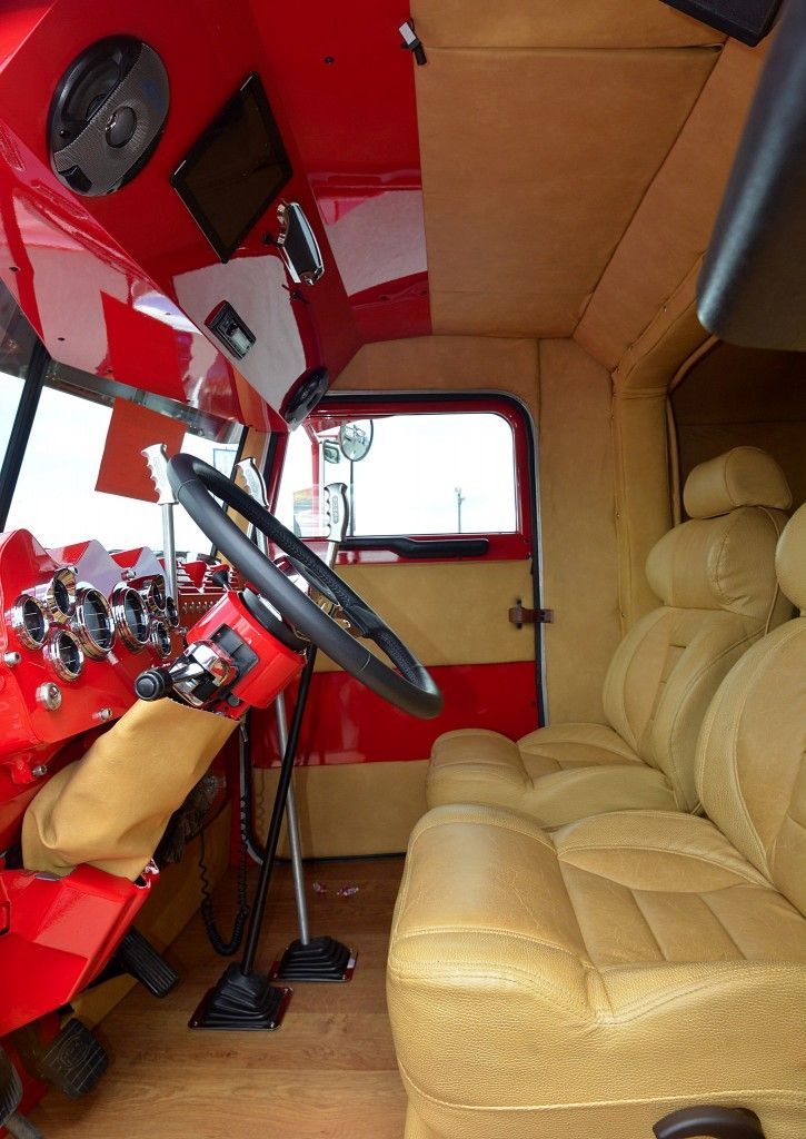 1000 images about cabs bunks and sleepers on pinterest best trucks semi trucks and trucks for Custom semi truck sleeper interior
