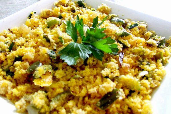Aprenda aqui uma deliciosa receita de farofa de jiló vegetariana. Você vai se deliciar!