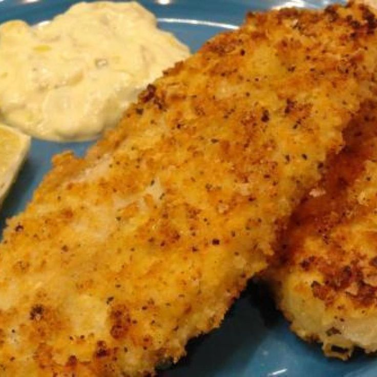 I came across lemon pepper Panko crumbs in the store, thinking hmmm, what can I do with this?  Voila, Lemon Pepper Panko Crusted Fish.  A recipe was born!