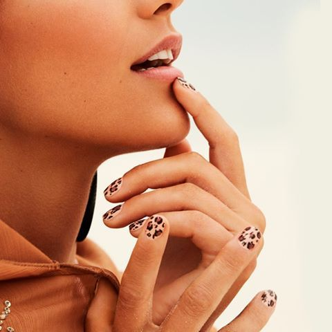 Go wild with animal print. While your face is clear and unblemished, your nails are dotted with leopard spots. Just grab a couple of contrasting shades in deep earthy colours and this look is yours.