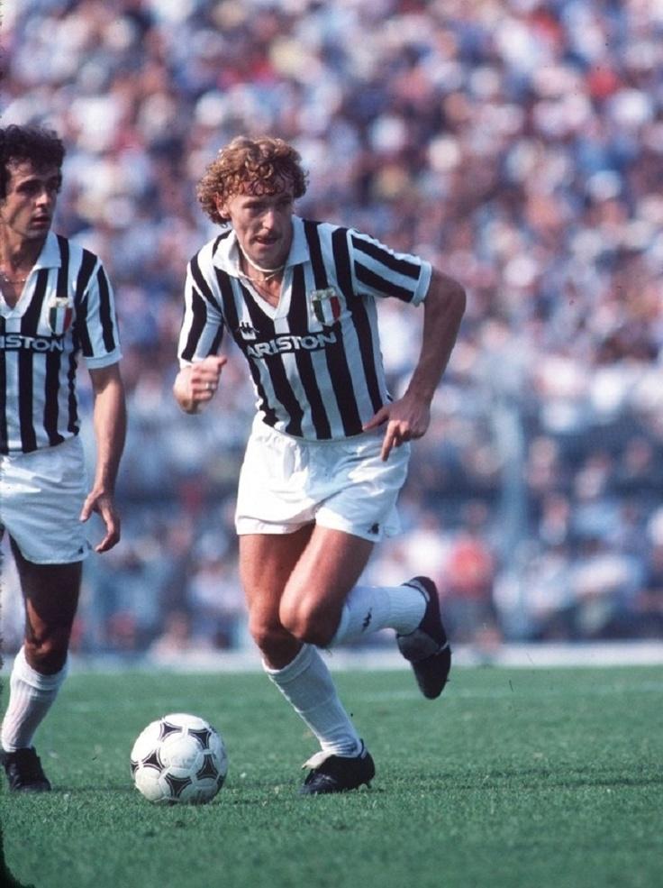 Zbigniew Boniek y Michel Platini, con LA VECCHIA SIGNORA, 1985.