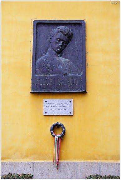 Eger, Foglár utca - 1844 februárban Itt járt Petőfi Sándor (Hittudományi Főiskola) - Fotó: Vámossy Béla