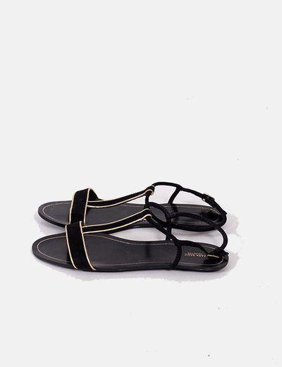 Sandalias negras con detalles dorados Zara