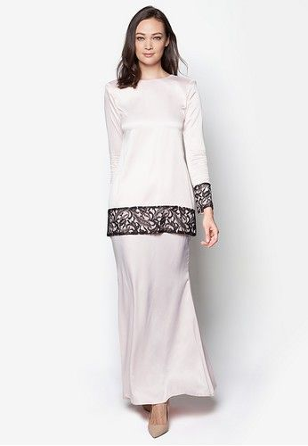 Sahara Kurung Modern from Izzabell Couture in White SAHARA Modern Kurung is inspired by traditional Malay Kedah Kurung. Made from high quality soft crepe and patch of soft lace in black. Available in seventeen beautiful colours. Top -Baby crepe -Soft lace -Round neckline -Long sleeves -Regular fit -Ba... #bajukurung #bajukurungmoden
