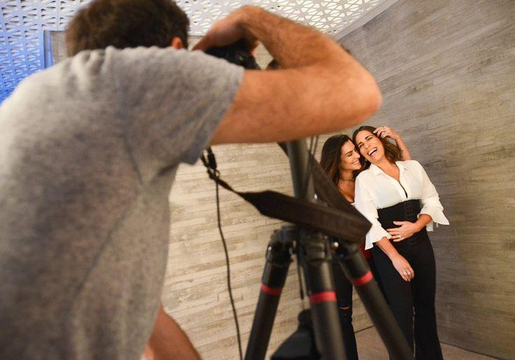 Gloria e Cleo Pires posam juntas para campanha de lingerie | ESTILO