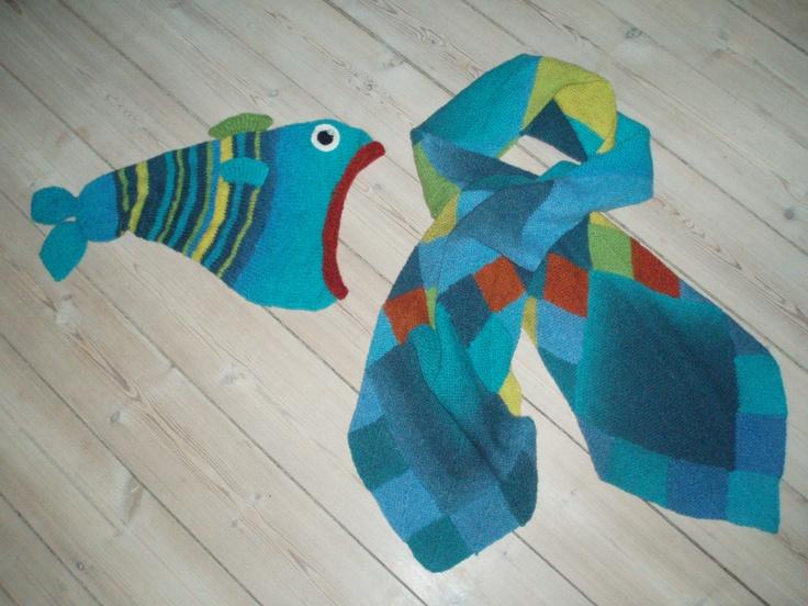 Fiskehuen & halstørklæde i domino strik