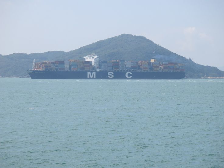 https://flic.kr/p/NFNdAi | msc valeria | Type:container ship IMO:9461439 owner:mediterranean shipping company operator:MSC Year build:2012 hull no.4185 builder: daewoo shipbuilding&marine engineering ltd south korea engine:B&W 12K98MC-C7 powerout put:72706kw speed:24,1kn length:365,50m beam:51,20 draught:16m 14000TEU container capacity at 14t:10640TEU reefer container:2000TEU gross tonnage:13300ton deadweight: 165300 ton