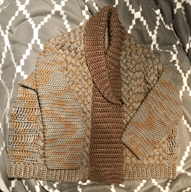 21.01.2017 finished this free fantasy spring / cold summer jacket: crochet & knitting, thick yarn, free form.