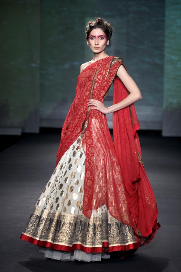 Anju Modi Delhi Couture week 2012