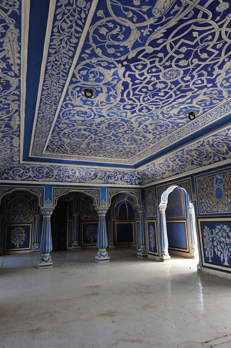 Ummm seriously....this is just incredible. Moon palace, Jaipur, India. I'm ready to move to the moon. You? #travel #design