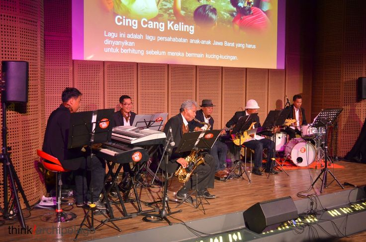 Swing Boss Jazz Band dedicated itself since it was founded in 2014 to promote Indonesian vernacular songs in a unique arrangements combining jazz and bossa nova.