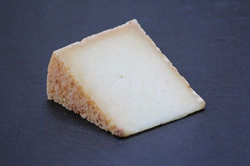 Wye Valley-  A lovely ewe's milk cheese from Lower Gockett Farm, Trelleck.
