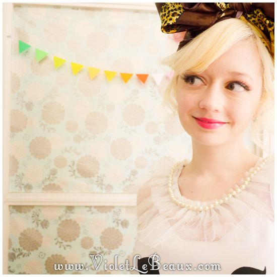 How To Make A Tulle Pearl Collar - Violet LeBeaux - Free Cute Craft and Beauty Tutorials
