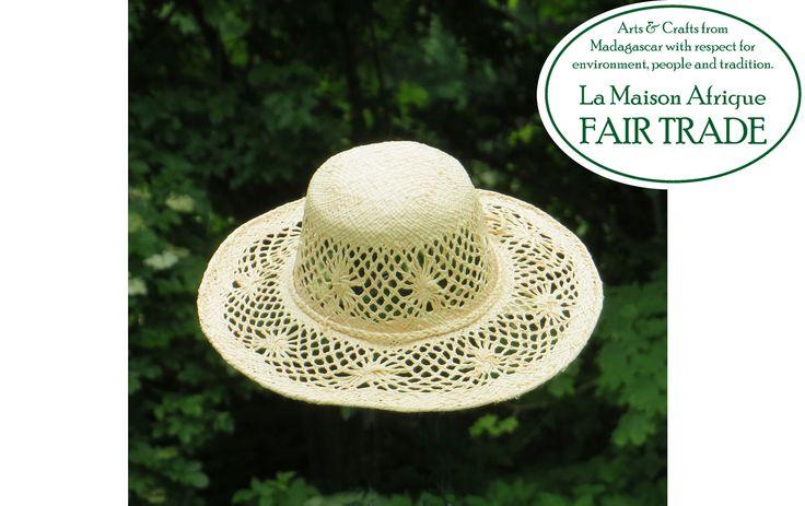 Fair Trade hat skilfully handmade of nature white sundried raffia palmleaves. #sustainablefashion #fairtrade #summer