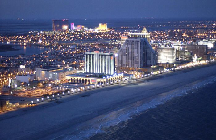 Atlantic City  Beach, Shopping, Food and Gambling. Concert April 2014.