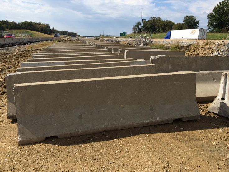 10′ USED Concrete Jersey Barrier in Kansas City