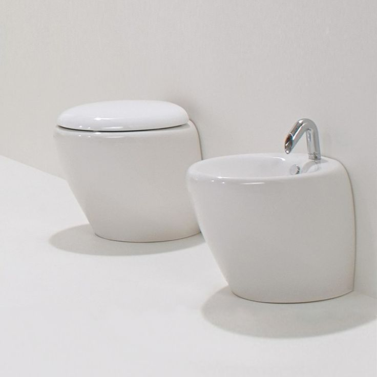 Sanitari Azzurra Touch a terra in ceramica con copriwc soft close