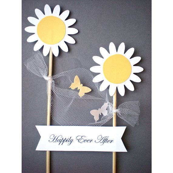 Daisies&Butterflies Cake Topper with White Flag for by decoraland, €9.99