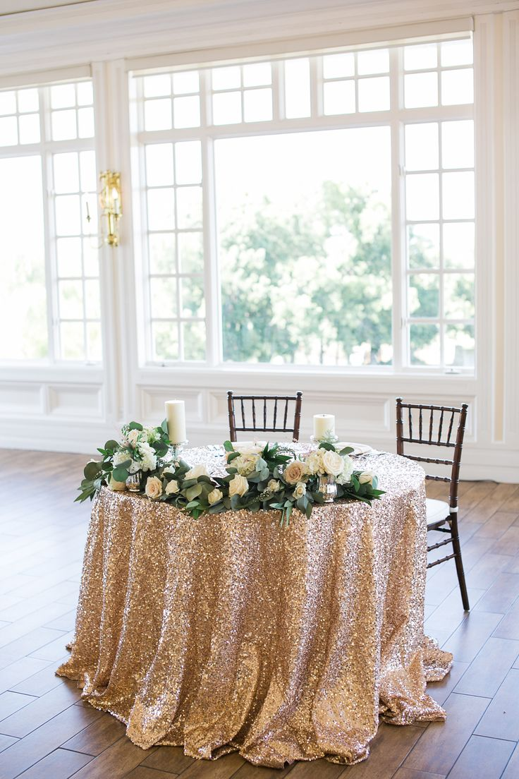 Carmel Mountain Ranch Country Club Blush & ivory, sweetheart table garland by San Diego wedding florist, Compass Floral.