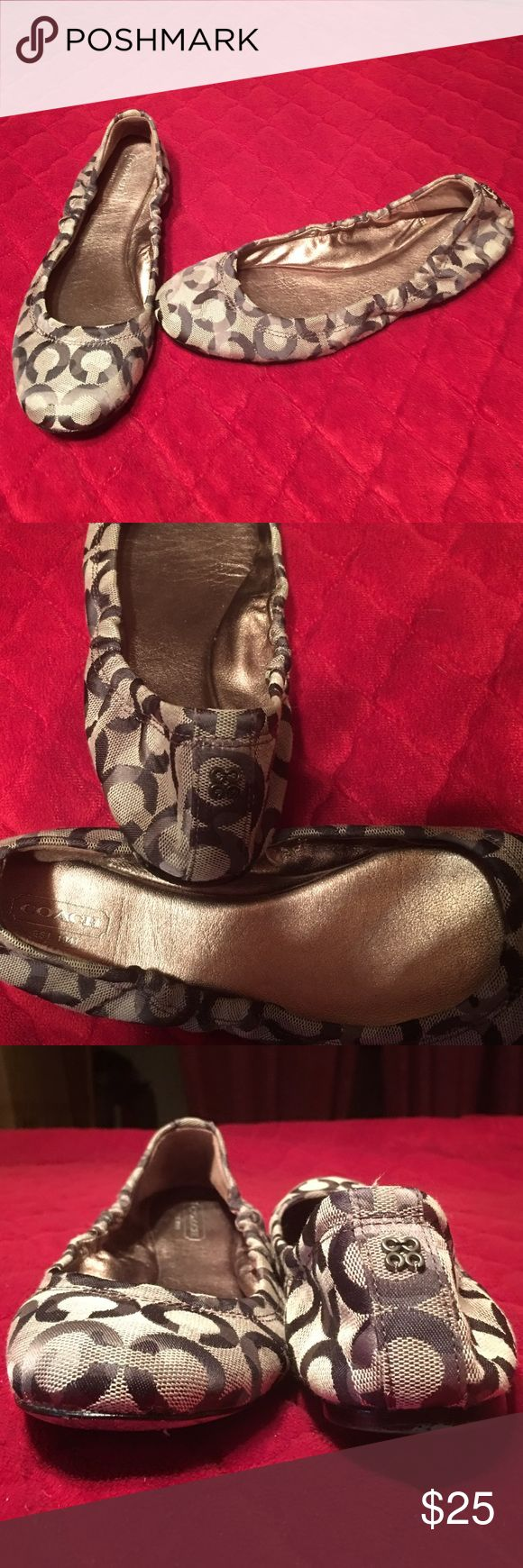 Coach signature flats 9 EUC Coach flats in various shades of brown. Im Reposhing only because they don't fit me. They seem to be a true 9. Other than the wear on the sole, they are in great shape. Really cute too. I wish they fit me. 😪 Coach Shoes Flats & Loafers