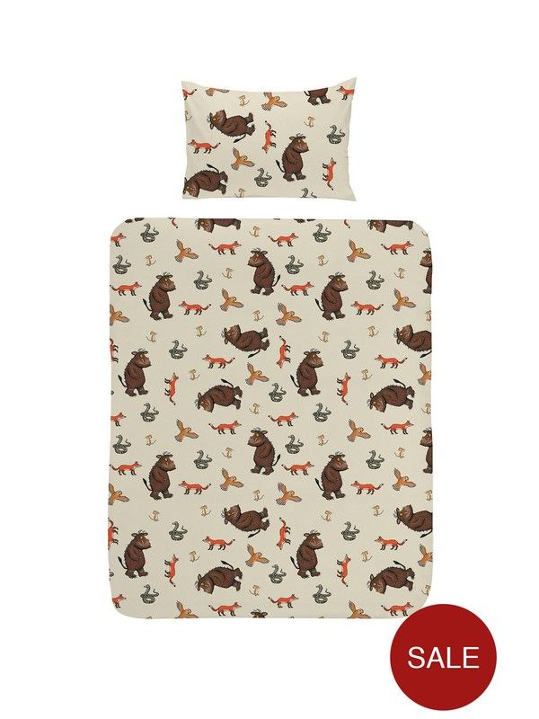 The Gruffalo Toddler Duvet Cover Set Young fans of The Gruffalo will love this officially licensed junior duvet set. Let your little one doze off snuggled up under their favourite character. Includes one junior bed size duvet cover and one pillowcase. Features: Duvet cover size:120x 150 cmPillowcase size: 42x 62 cm100% CottonMachine washable at 40°C and can be tumble driedGruffalo Toddler Duvet Cover SetOfficial Gruffalo merchandiseDuvet Cover: 120cm X 150cmPillowcase: 62cm x 42cm100%…