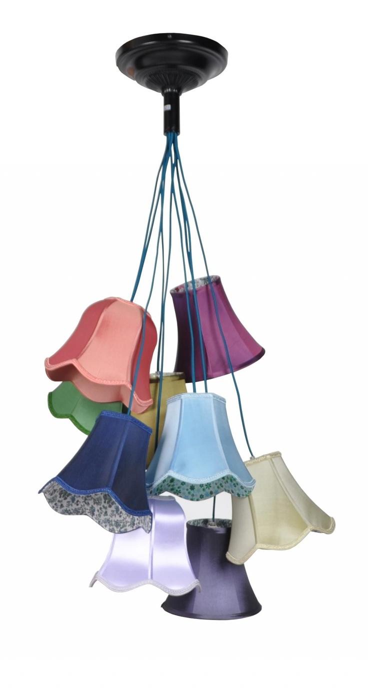 Hanglamp Granny Mix color · Zuiver · Poaa.nl designwarenhuis Afmetingen: totale hoogte ca. 130cm, diameter ca. 50cm. Kapjes ca. 22-23cm hoog.  € 189,00
