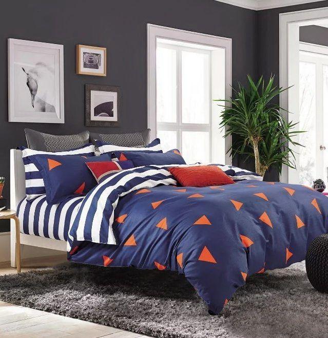 Tmavomodré obojstranné posteľné obliečky s pruhmi