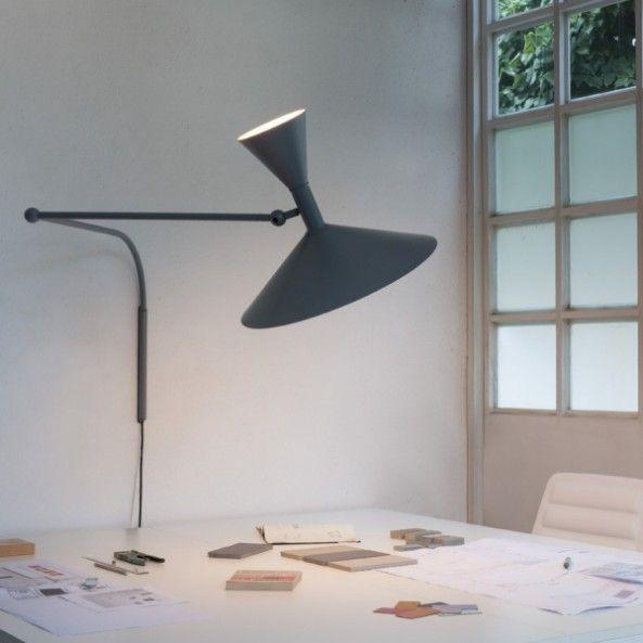 tavolo da parete : Oppure anche una lampada a braccio dedicata al tavolo da pranzo.