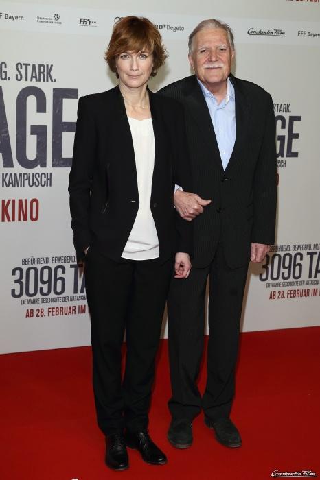 """""""Premierenbild 03""""  Bild-ID: 162415412AR00003_3096_Tage_  3096 TAGE - DEUTSCHLANDPREMIERE im CineStar in Berlin am 27.02.2013  Regisseurin Sherry Hormann mit Kameramann Michael Ballhaus"""