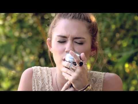 "Miley Cyrus's Dolly Parton cover ""Jolene"""