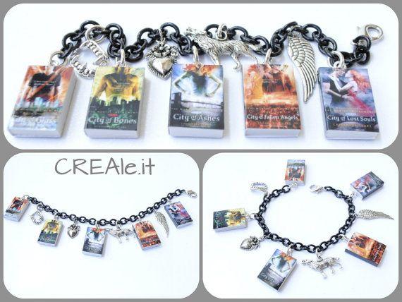 Bracciale con mini libri di  The Mortal Instruments e ciondoli by CREAle