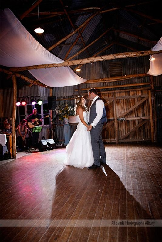 Weddings at Peregrines Table Top - Jenna and Jamie - All Saints Photography Albury Weddings & Portraiture