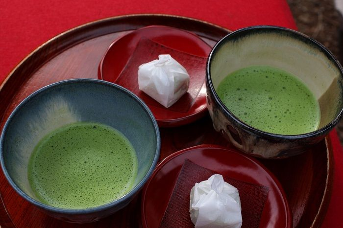 Did you know that there are more than one kind of green tea, and that Japanese Matcha is the best?