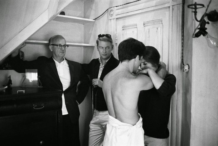 Buck Henry, Mike Nichols, Dustin Hoffman and Katharine Ross on the set of The Graduate