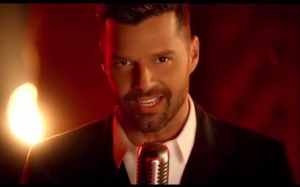 """Ricky Martin mostró hoy su nuevo video en Twitter, se trata del clip de su tema """"Adiós"""", un material del que dio adelantos una noche antes."""