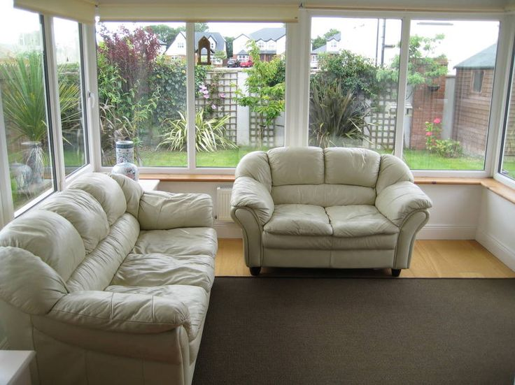 House in Rosslare, Ireland. luxury detached 4 bedroom holiday house sleeps 7  ideally located only 5 minute walk from famous blue flag sandy Rosslare beach. Enclosed sunny south-facing rear garden and ample parking. 15 min drive to Wexford town with all its shops and restaur...