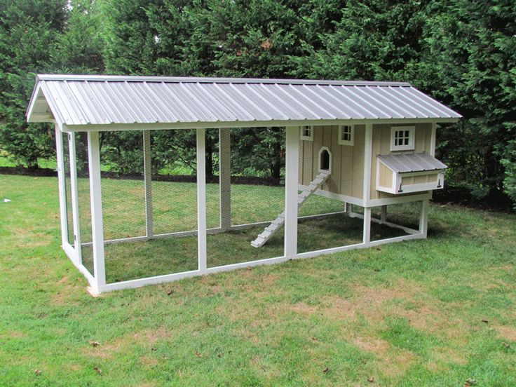 60 best images about chickens on pinterest a chicken for Small backyard chicken coop plans free